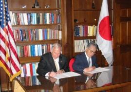 MOU signing, Mote and Kurosawa